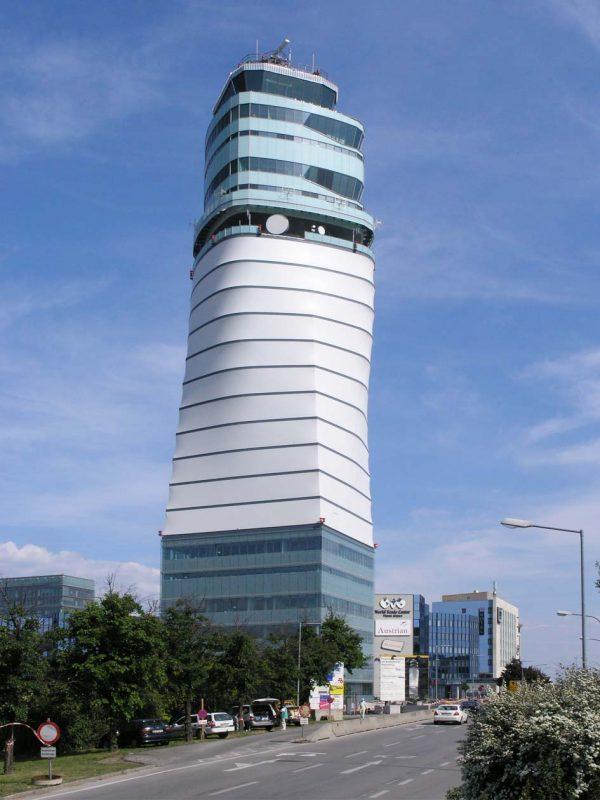 Flughafen Wien - Kontrollturm VIE