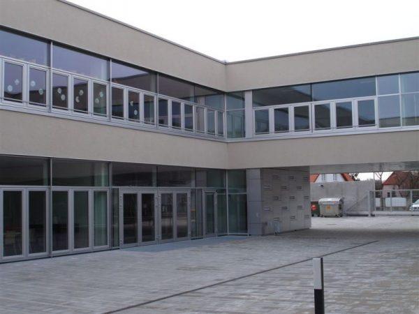 Kindertagesheim u. Schule Langobardenstraße
